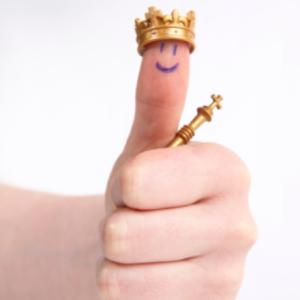 Daumen hoch für Dienstleistung! Bei ACCEDO und zinsvergleich.de regiert der König Kunde.