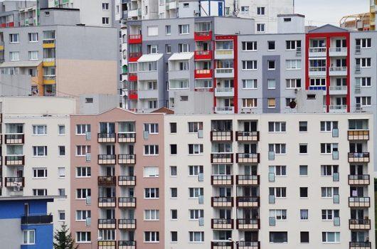 Kaufnebenkosten: Baukindrgeld, Grundwerbsteuer und Maklerkosten – die Politk will vieles ändern.
