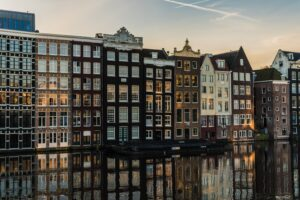 Eigengenutzte Immobilie – von der Eigentumswohnung bis zum eigenen Haus – mit KfW-Kredite finanziert es sich leichter